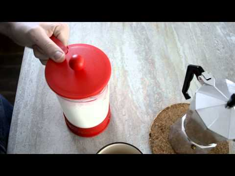 How to Make Milk Foam with a French Press