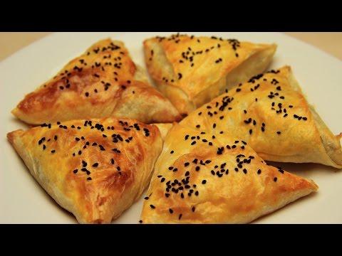 Spinach Triangle Shaped Borek Recipe - Turkish Phyllo Pastry Amulet Borek