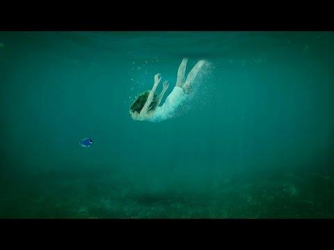 Photoshop Tutorial : underwater Diving Scene