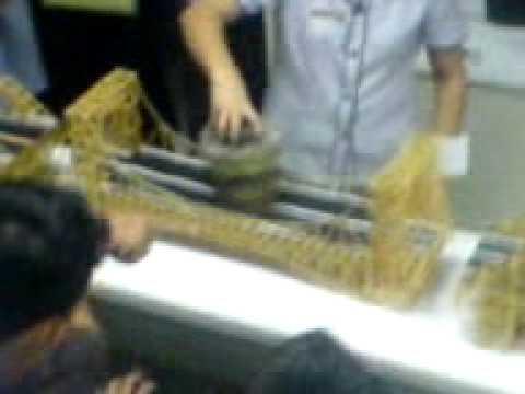 HNU Bridge building contest pasta bridge 50 Kilos