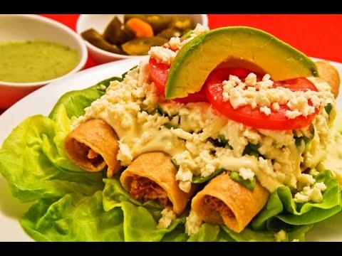 Comida Mexicana / Tacos dorados de pollo y papa / Receta muy fácil