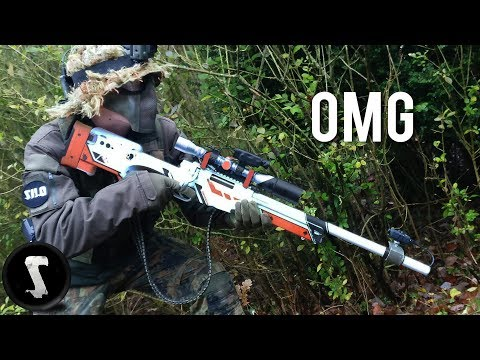 Guy Brings Airsoft AWP Asiimov and QUICKSCOPES PLAYERS!!