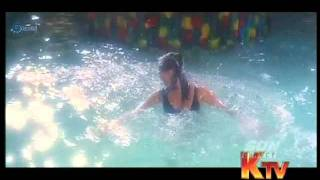 Sexy Mumtaj Bikini show in Tamil movie