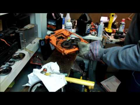 DIY How To Remove Chainsaw Flywheel Without Puller - Stihl