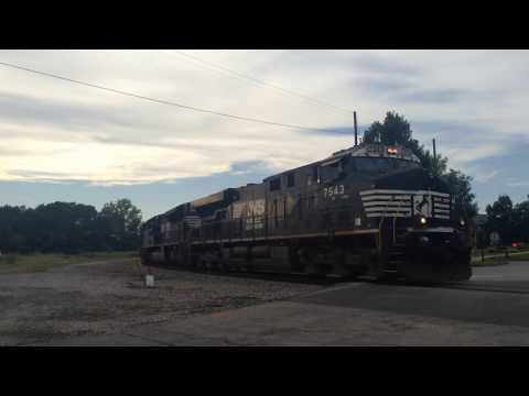 NS 28T pulls around Devine Junction in Columbia, SC w/ a horn duel with CSX