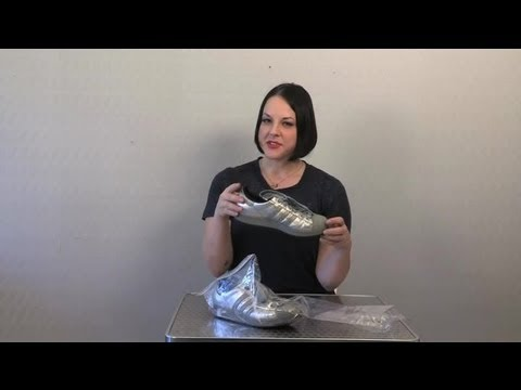 How to Clean Smelly Shoes : Cleaning Shoes