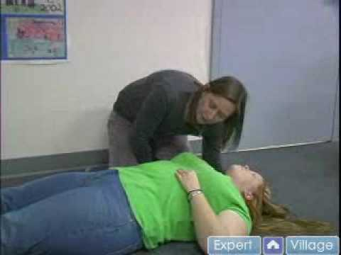 Basic First Aid Checking the Pulse, Breathing & Airway.flv