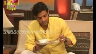 Raman Is Having Food   TV Serial   'Yeh Hai Mohabattein'  