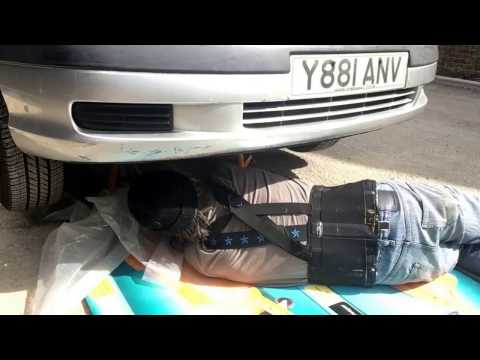 Jacking up the car     oil change   Toyota Avensis    D4D   2001   Apr 11, 2017