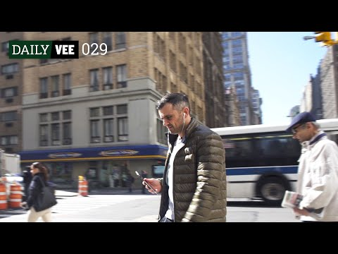 THE DIRTY LITTLE SECRET | DailyVee 029