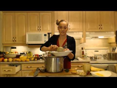 How To Make Delicious Spaghetti Squash (4 Recipes)
