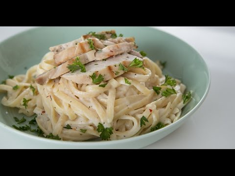 One-Pot Fettuccine Alfredo With Chicken Recipe | Eat the Trend
