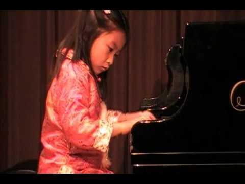 Elysha Piano Recital 2009-02-07 16:9 Aspect