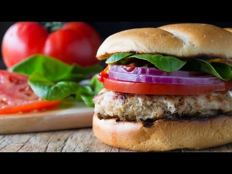 How to Make a Juicy Grilled Turkey Burger