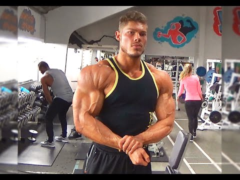 Improve The UPPER Chest And The Deltoids   Complete Classic Physique   Golden Era