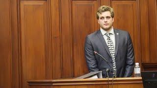 Triple murder accused Henri van Breda takes the stand