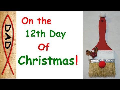 Paint your Christmas - DIY Santa Brush