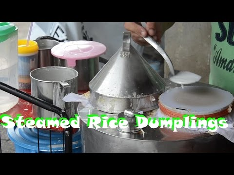 Thai Street Food: khao kriab pak moh (steamed rice dumplings)