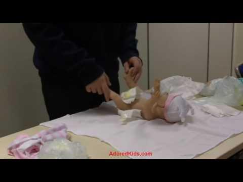 Diaper change steps for newborns