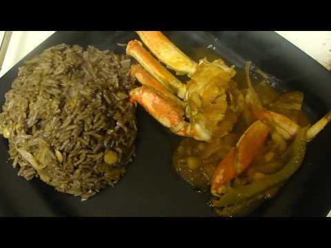 Haitian rice w/ Black mushroom or du riz djon djon & Snow crab in sauce (4)