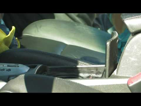 Car Cleaning Tips : How to Clean Leather Car Seats