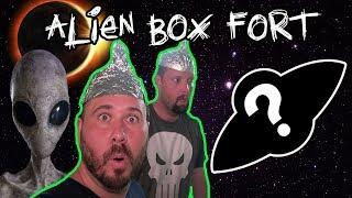 UFO BOX FORT CHALLENGE! (ALIEN SPACESHIP BOX FORTS)