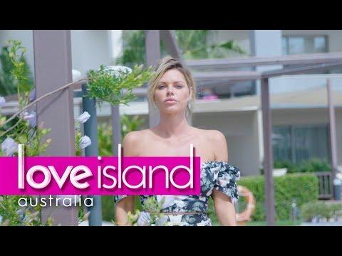 Sophie in Spain: Sophie shows us around her Villa | Love Island Australia 2018