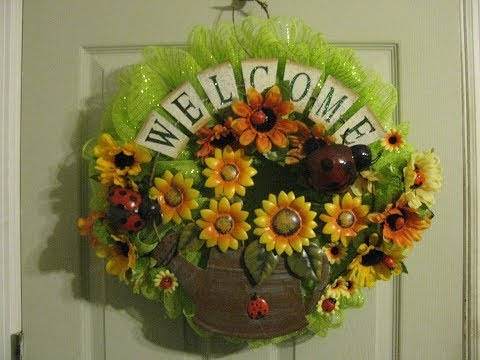 How To Make Carmen's Sunflower Ladybug Deco Mesh Wreath