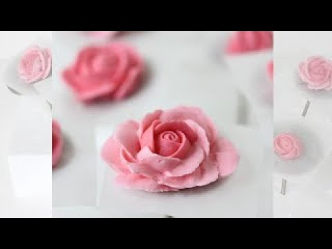 How to Pipe Royal Icing Roses (with Four Coloring Methods)