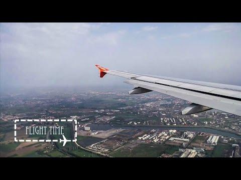 airberlin Airbus A320 landing Venice