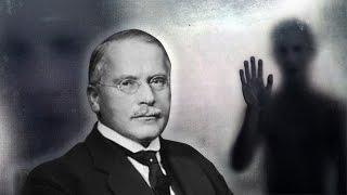 Ao estudar o lado negro da alma fantasmas surgiram pra ele (Carl Gustav Jung)