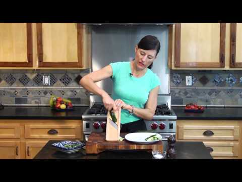 How to Slice a Zucchini Using a Mandolin : Vegetable Recipes With Flare