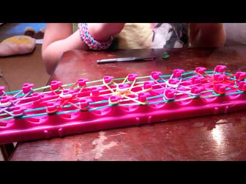 How to make a Starburst bracelet with Crazy Loom