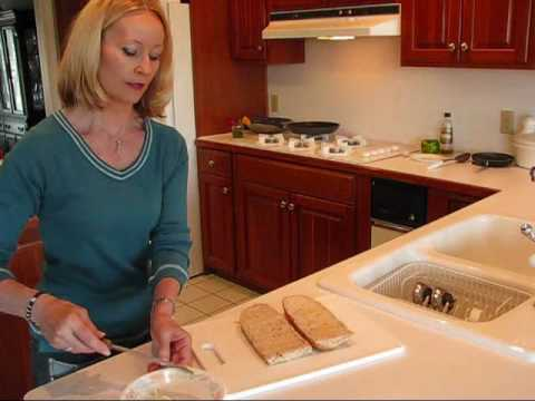 Betty's Quick Tip 7--How to Keep Your Sandwiches from Being Soggy