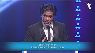 """Shah Rukh Khan Honoured With """"Unesco Pyramide con Marni"""" Award For Charity 