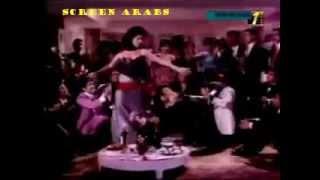 #x202b;رقص الفنانة حياة قنديل على اغنية خدعتني وقلت بحبك || رقص مثير جدا ||#x202c;lrm;