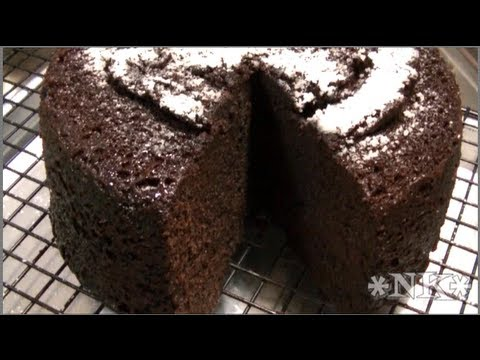 How to Bake a Cake in the Microwave ~ Noreen's Kitchen