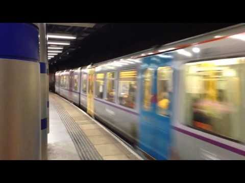 Tyne & Wear Metro in East Coast livery departing Sunderland Station
