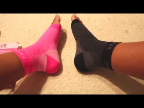 Plantar Fasciitis Socks Review - Compression Sleeve, Eases Swelling, Heel Spurs, Ankle Support