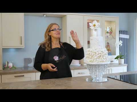 Learn how to make a frilled wedding cake - Magnolia Frills