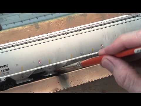 Weathering Hopper Cars with washes