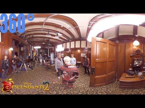 Auradon Prep Boys Dorm Part 1 BTS | 360° | Descendants 2