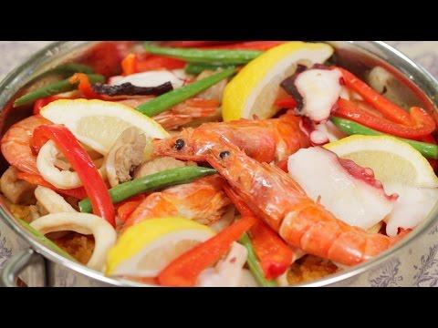 Seafood and Chicken Paella with Japanese Rice Recipe シーフードと鶏肉のパエリアの作り方 日本のお米を使ったレシピ
