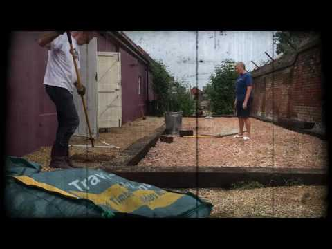 IHUK Builds a Boule Court