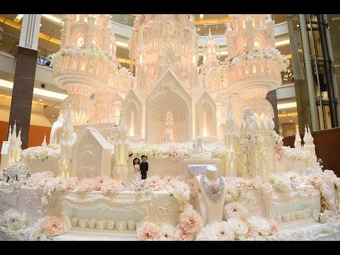 The Biggest and The Grandest Wedding Cake in Indonesia