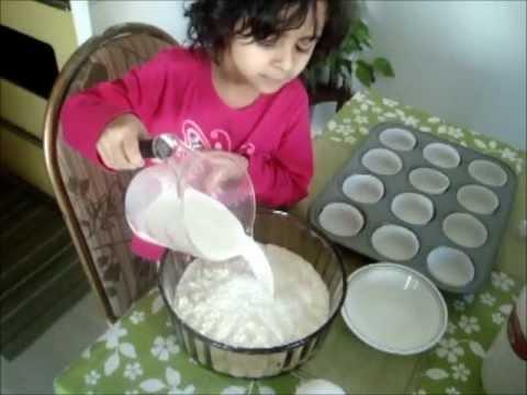 4 year old's Betty Crocker cupcake tutorial