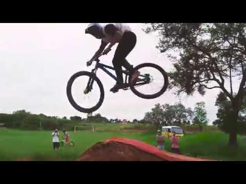 DIRT JUMP and PUMP TRACK - PEREZ RIDE #1