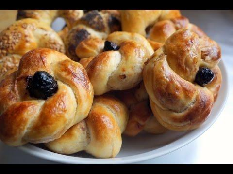 Flower Shaped Savory Bread - Moroccan Msemen Pastry - Rhgayef - Meloui