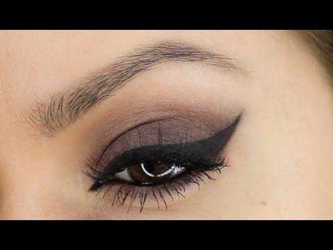 Easy Eyeliner Tutorial Using Eyeliner Stencils | Shonagh Scott | ShowMe MakeUp