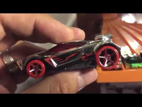 Hot Wheels Fantasy Cars Racing - 6-Lane Race Track
